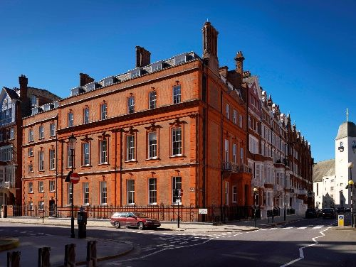 Serviced offices London Pont Street exterior