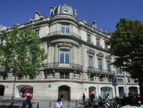 Rond-Point des Champs-Elysées Office Space