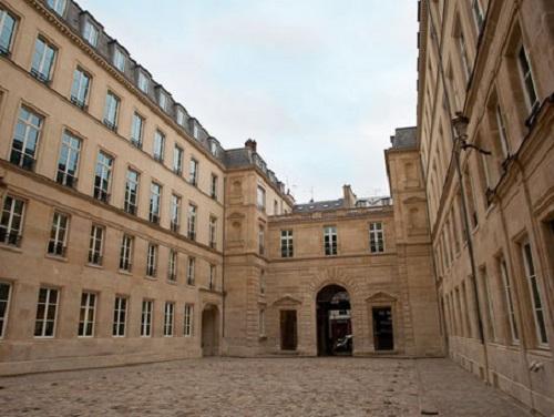 Rue De Grenelle Office images