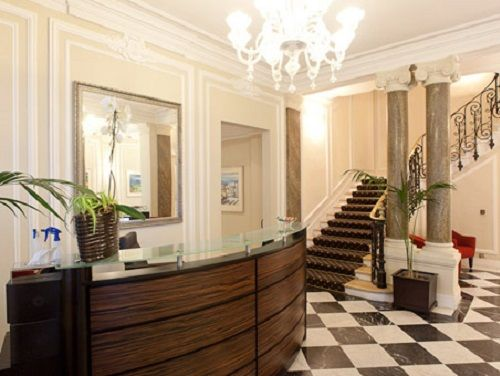 Rue Bassano Office images
