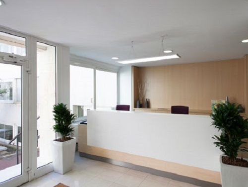 Avenue Charles de Gaulle Office images