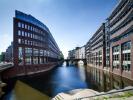 Stadthausbrücke Office Space