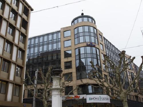 Rue du Rhone Office images
