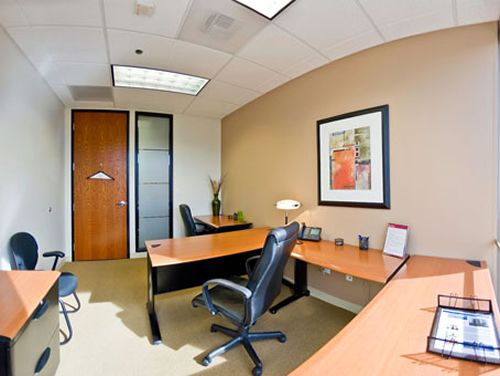 Howard Hughes Pkwy Office images