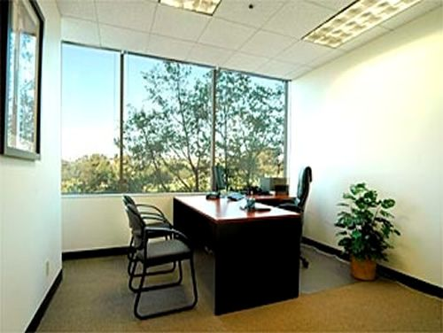 400 Corporate Pointe Office images