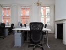 Flexible office space London desks