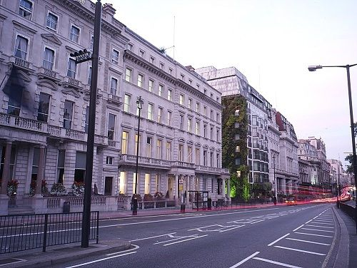 London office to rent Piccadilly exterior