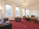 London office to rent lounge area
